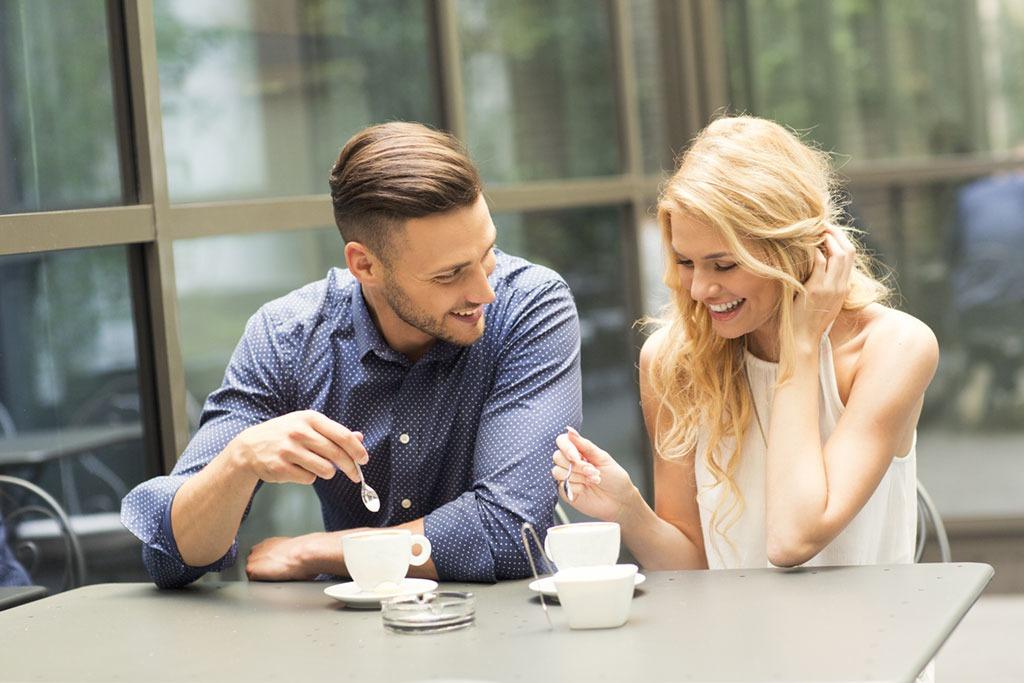 Cum sa te conectezi fete pe aplicatiile de intalniri online