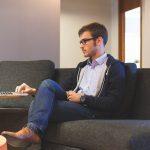 Care sunt avantajele utilizarii serviciilor juridice online?
